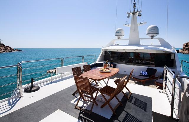 Luxury super yacht private charter Whitsundays