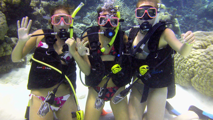 Introductory Scuba Diving on the Great Barrier Reef
