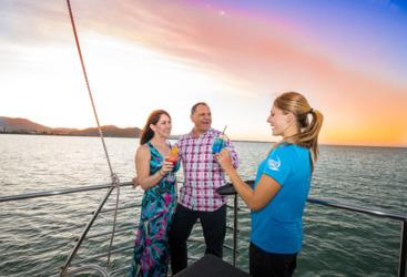 Cairns Sunset dinner cruise sailing