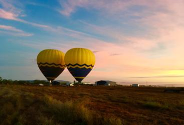 Hot air balloons Cairns & Port - Sunrise on the Tablelands